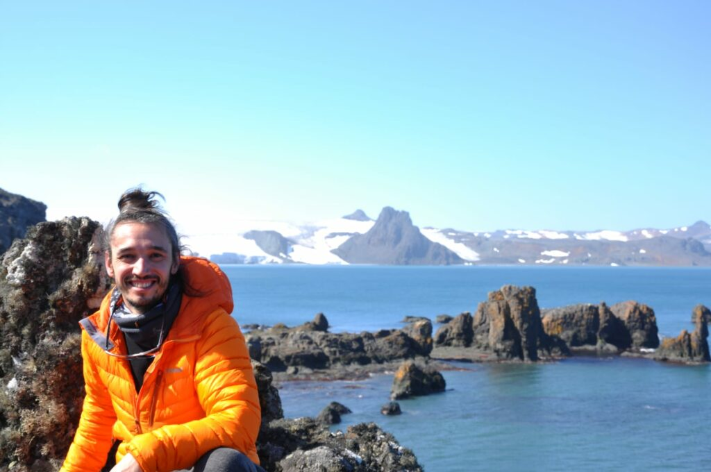 IAATO and COMNAP announced one of the recipients of the Antarctic Fellowship 2020: Miguel González Pleiter  (September 2020)